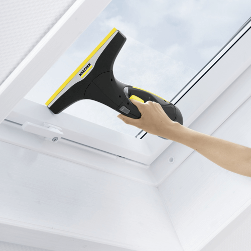 image showing the karcher window cleaner being used near the bottom of a window