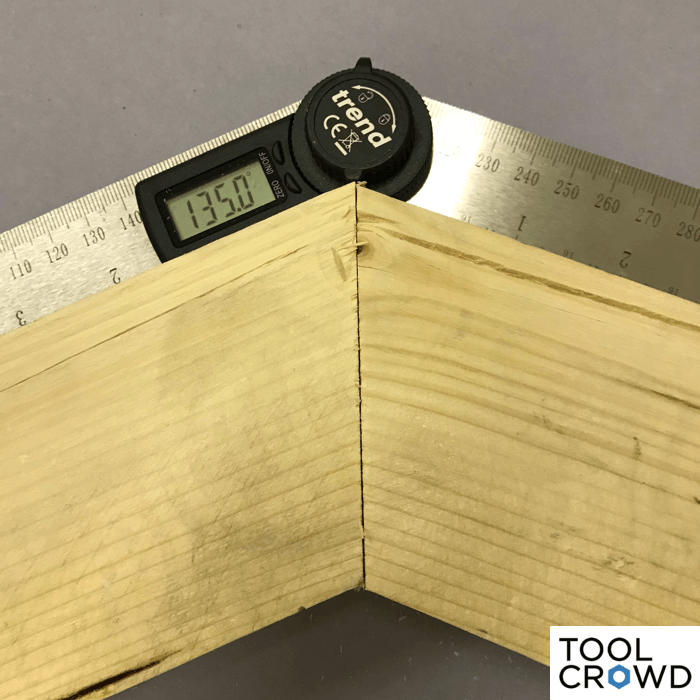 an image showing the final 135 degree angle after two cuts with a miter saw