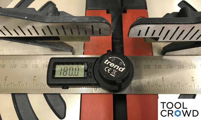 an image showing the 180 degree angle across the fence of a miter saw