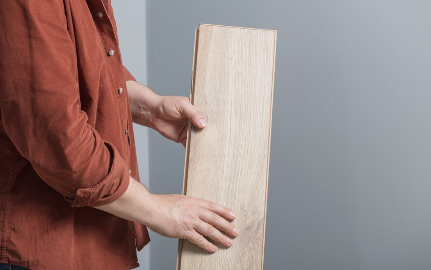 what does laminate flooring feel like article header image